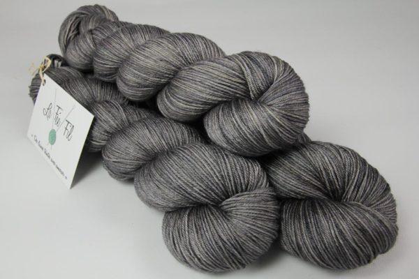 Course d'autruche Merino Silk Fingering-1